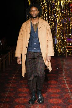 Nicholas Daley – Automne/Hiver 2019 – London Fashion Week Men's - Essential Homme London Fashion Week Mens, Mens Fashion, Afro Style, Madame, Dandy, Dapper, Autumn Fashion, Fall Winter, Handsome
