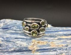 Multi-Stone Peridot Silver Ring // 925 Sterling Silver // Oxidized Etched Setting // Peridot Cluster Ring