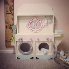 Little kids washer and dryer unit
