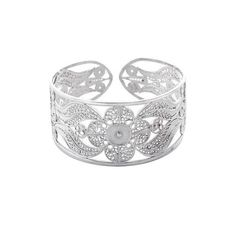 NOVICA Hand Made Floral Fine Silver Filigree Bracelet ($180) ❤ liked on Polyvore featuring jewelry, bracelets, clothing & accessories, cuff, fine silver, silver flower jewelry, silver jewellery, floral jewelry, silver jewelry and cuff bangle