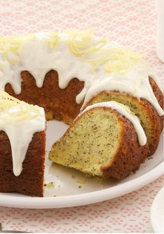 Double-Lemon Poppy Seed Cake – For true lemon lovers. This recipe delivers two bonus citrus kicks, with Jell-O Gelatin adding mouthwatering flavor to the moist cake and zest infusing the glaze.