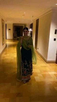 Nimrat Khaira, Indian Wedding Gowns, Indian Designer Suits, Embroidered Clothes, Color Combinations, Actors & Actresses, Beaded Jewelry, Outfits, Fashion
