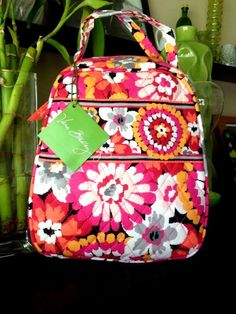 New With Tag Vera Bradley Lunch Bunch box bag In Pixie Blooms fb935c84c8247