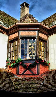 Village of Hunawihr, France - Alsace Region Old Windows, Windows And Doors, Gates, Culture Of France, Alsace Lorraine, Alsace France, Portal, Storybook Homes, Beaux Villages