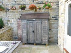 Double outdoor cupboard