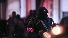 Belgiens hovedstad, Bruxelles, har de seneste dage dirret på grund af en tilsyneladende alvorlig men også – for offentligheden - foreløbig ukonkret terrortrussel. Det belgiske politi bekræftede søndag aften, at der har været iværksat flere operationer i Belgien - alle med forbindelse til terrortruslen. (Kritisk nyhed)