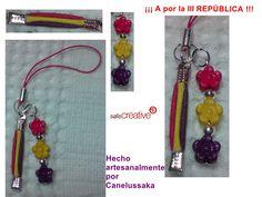 Cuelga móvil para chicas con bandera tricolor y piezas de plástico y metal