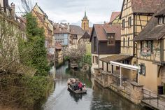 Si queréis hacer turismo en Alsacia (Francia), no os perdáis este post con los mejores pueblos que visitar y otros lugares con encanto. Places To Travel, Places To Visit, Eurotrip, Travel With Kids, Medieval, Europe, Vacation, Landscape, World