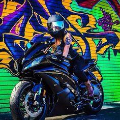 Yamaha R6 biker chicks @Jen Michelle (instagram)