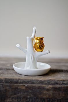 This little owl ring holder is the cutest!