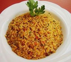 Griechischer Tomatenreis rice – Greek tomato rice, delicious with paprika, tomatoes and various spices. a bit of greece for home Greek tomato rice Greek Recipes, Vegetable Recipes, Vegetarian Recipes, Healthy Recipes, Rice Recipes, Noodle Recipes, Greek Rice, Tomato Rice, Rice Dishes