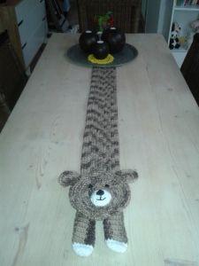 Crochet tablerunner