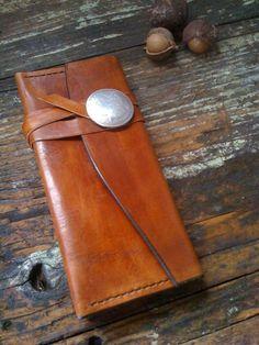 3 pocket accordion wallet