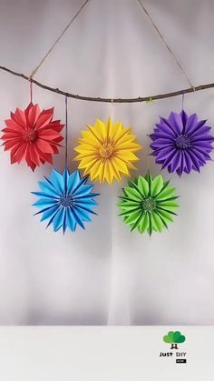 Cool Paper Crafts, Paper Flowers Craft, Diy Crafts For Gifts, Diy Crafts Videos, Flower Crafts, Creative Crafts, Diy Flowers, Diy Paper, Paper Glue