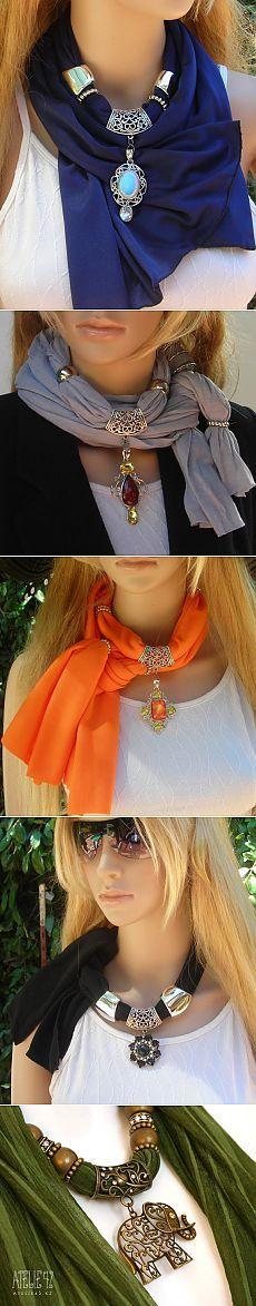 Sciarpa-collana (selezione) / gioielli e monili /