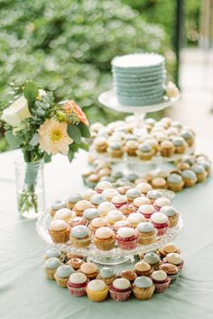 Photography: Lindsey A. Miller Photography - www.lindseyamiller.com Cupcakes: Dlish Dessert - www.dlishdessert.com  Read More: http://www.stylemepretty.com/2014/07/02/classic-laid-back-beach-wedding-in-charleston/