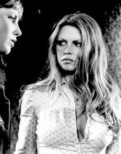 A blog dedicated to the ever-inspiring French goddess Brigitte Bardot.
