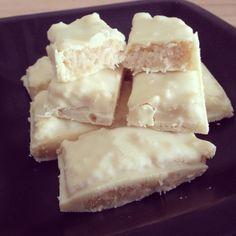 Self-made white chocolate bounty bars / Weiße Bounty-Riegel - vegan -