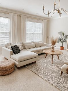White Couch Living Room, Living Room Sectional, Home Living Room, Apartment Living, Living Room Designs, Living Room Decor, Sofa For Room, White Couch Decor, Bedroom With Couch
