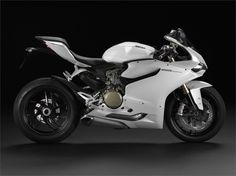 Ducati 1199 Panigale (2012) - Hersteller:Ducati Land: Baujahr:2012 Typ (2ri.de):Superbike Modell-Code:k.A. Fzg.-Typ:k.A. Leistung:195 PS (143 kW) Hubraum:1.199 ccm Max. Speed:k.A. Aufrufe:15.393 Bike-ID:3232