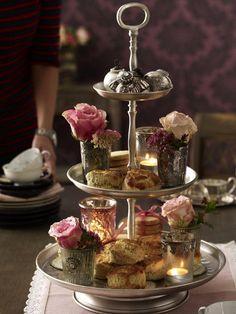 Die herbstliche Teatime wird nur mit Scones und der passenden Etagere stilecht!