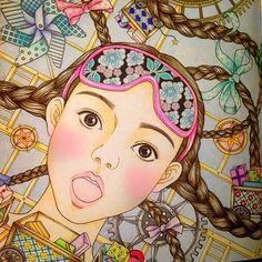 Instagram media nanasemomoko - こんなにたくさん色使うの初めてかも 難しい 今回は背景も色鉛筆。チークのみパステル。…
