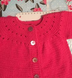 Knitted Baby Cardigan, Cardigan Pattern, Knitting For Kids, Baby Knitting Patterns, Baby Sweaters, Crochet, Casual, Bb, Fashion