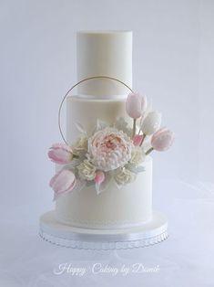 sweet and romantic wedding cake