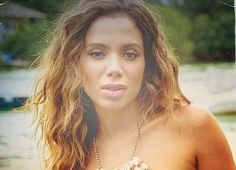 Anitta é flagrada de biquíni em praia do Rio e pede o contato do paparazzi Kim Kardashian, Musa Fitness, Angelina Jolie, 233, Tumblr, Fashion, Photo String, Moda, Fashion Styles