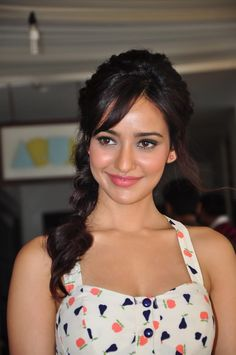 Neha Sharma Fantastic HD Photos & Wallpapers - HD Photos
