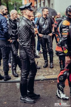 This blog contains STRICTLY Leathermen in BLUF style. All other hot pics you can find at my second...