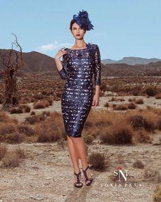 88f5a3c15b80 89 najlepších obrázkov z nástenky Krátke šaty a kostýmy