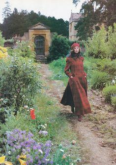 Plaid on plaid // Christy Turlington photographed by Mario Testino for Vogue UK, September 1993