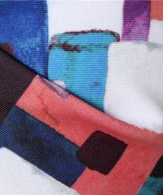 【【MURUA(ムルーア)】ラフスクエアープリント ツイストバンドゥビキニ 水着】手描き風のスクエア柄のジオメトリック柄とは一味違ったバンドゥビ…