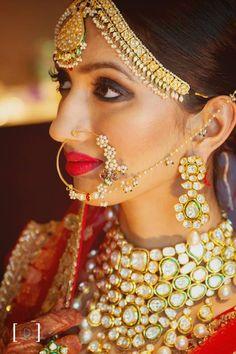 Stunning bride in Kundan jewellery. Big Indian Wedding, Indian Wedding Jewelry, Indian Jewelry, Indian Weddings, Bridal Necklace, Bridal Jewelry, Bridal Jewellery Inspiration, Desi Bride, Indian Bridal Makeup