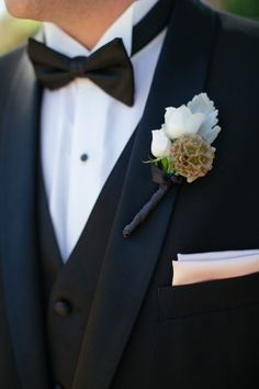 Boutonniere // photo by Frenzel Studios, http://theeverylastdetail.com/2013/10/16/timeless-champagne-blush-wedding/