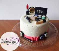 Makeup cake (Torta de maquillaje) https://www.facebook.com/ChromatiquePasteleria