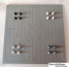 """Brettspiele - beton """"don't worry"""" inkl. figuren - ein Designerstück von betonartdesign bei DaWanda"""