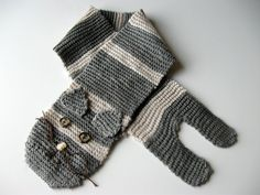 DIY Knitted Cat Scarf by showtellshare: Free step by step instructions.     DIY