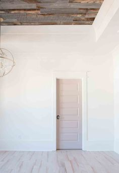 Alabaster SW 7008 matched with wood panel ceiling from Addisons Wonderland Ceiling Paint Colors, Colored Ceiling, White Ceiling, Interior Paint Colors, Paint Colors For Home, White Walls, Interior Design, Farmhouse Style Bedrooms, Farmhouse Style Decorating