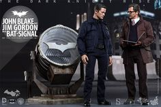 Dark Knight Rises John Blake & Jim Gordon with Bat-Signal Sixth Scale Figure by Hot Toys