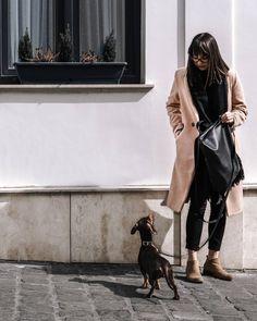 """""""A zsebébe nyúlt, akkor csakis juti fali osztás következhet.""""🥺 Általában fotózások/kirándulások után hetek múlva is találok jutit a zsebemben, de ezzel nem vagyok egyedül szerintem, ugye?! 🤔 Instagram Feed, Jackets, Fashion, Jute, Down Jackets, Moda, Fashion Styles, Fashion Illustrations, Jacket"""