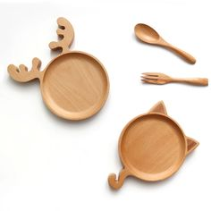 Christmas deer idiot cat wood plate Christmas dessert plate wood saucer dish nice cute design dinner plate for kids aniti borken Wood Spoon, Wood Tray, Baby Dishes, Cnc Wood, Cnc Projects, Wooden Plates, Eco Friendly Fashion, Montessori Toys, Christmas Deer