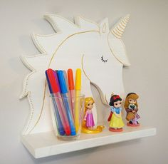 Nursery Decor Shelf Unicorn Unicorn um produto único de pinia_kolada na Unicorn Room Decor, Unicorn Rooms, Unicorn Bedroom, Wood Crafts, Diy And Crafts, Jungle Decorations, Making Wooden Toys, Girl Bedroom Designs, Kids Wood