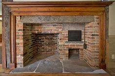 Terrific Snap Shots Primitive Kitchen fireplace Concepts State as well as old-time type is definitely all the rage right now. No matter whether your house is with suburbia or fa Backyard Fireplace, Home Fireplace, Fireplace Design, Fireplace Mantels, Mantles, Kitchen Fireplaces, Painted Fireplaces, Rumford Fireplace, Primitive Fireplace