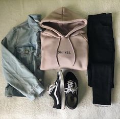 32 adorable outfits per women to adorables femme porter Monika . - 32 adorable outfits per woman to adorables femme porter Monika - # Teen Fashion Outfits, Mode Outfits, Outfits For Teens, Winter Outfits, Casual Teen Fashion, Summer Outfits, Club Outfits, Fashion Clothes, Fashion Fashion