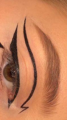 Edgy Makeup, Makeup Eye Looks, Eye Makeup Art, Colorful Eye Makeup, No Eyeliner Makeup, Skin Makeup, Gold Eyeliner, Makeup Brushes, Nyx Makeup