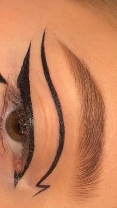 Edgy Makeup, Makeup Eye Looks, Eye Makeup Art, Colorful Eye Makeup, No Eyeliner Makeup, Cute Makeup, Skin Makeup, Applying Eyeliner, Smudged Eyeliner