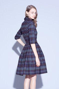 Okay, seriously? I want a plaid dress like this.