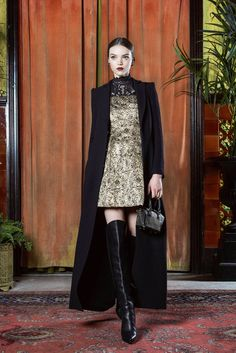 Things I need in my wardrobe: a classy black blazer-coat, an embellished golden dress and knee-high black leather boots. Preferably with a more vibrant red lip, but that's just me. | Alice + Olivia Fall 2015 Ready-to-Wear